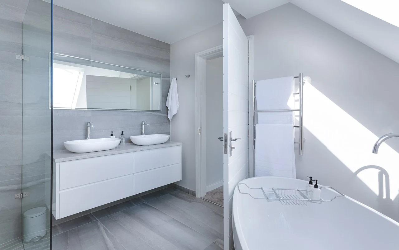 biała-łazienka